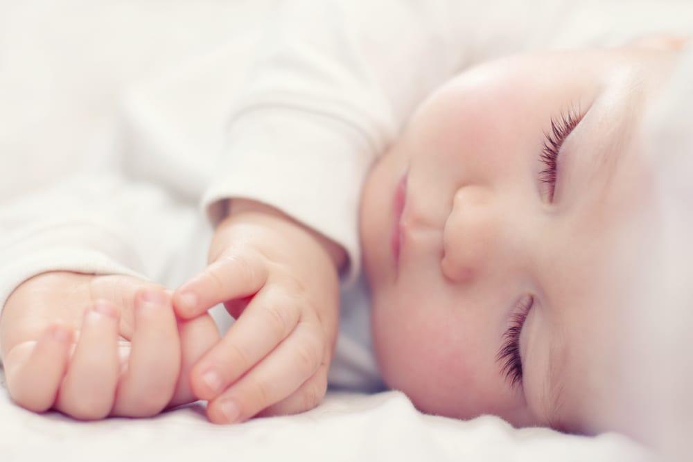 kid's apnea shutterstock_88040917